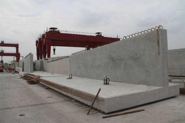 镀锌过程是制造耐火桥梁预制件的必要过程